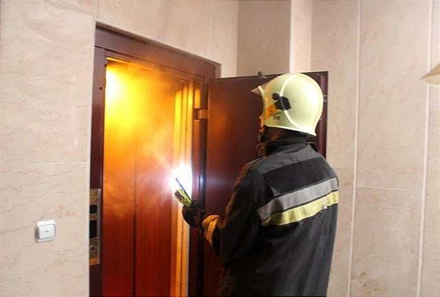 آتش سوزی آسانسور